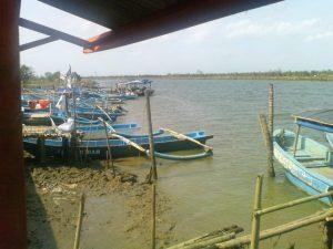 perahu-nelayan-penduduk-desa